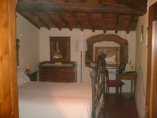 Nice B&B with Internet Access and Fax Machine - San Piero a Sieve vacation rentals