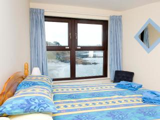9 ROCK TOWERS-3 bedrms in Looe,beach views & WiFi - Looe vacation rentals