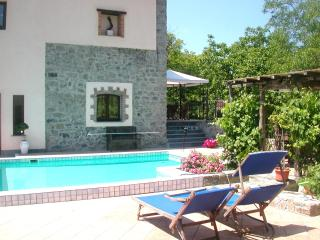 Elegant Country Apartment with pool, spa and views - Varese Ligure vacation rentals