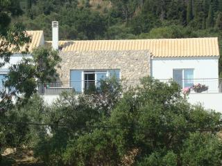 Lovely Villa with Internet Access and Dishwasher - Chlomos vacation rentals