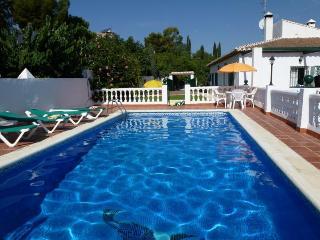 Villa Cañadú- BEAUTIFUL 4 BEDROOMS, POOL, A/C, WIF - Nerja vacation rentals