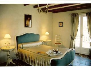Magdala  Chambre Suite de  charme  2 à 4 pers - Couiza vacation rentals