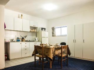 1 bedroom Apartment with Internet Access in Jerusalem - Jerusalem vacation rentals