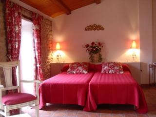Galamus  chambre de charme 2 à 4 pers - Antugnac vacation rentals
