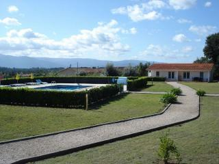 Beautiful Cottage with Internet Access and Towels Provided - Vila Nova de Poiares vacation rentals