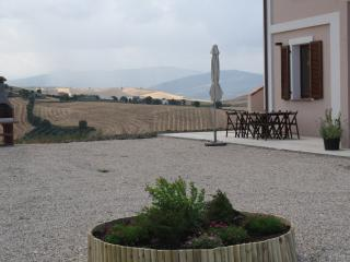 Comfortable 4 bedroom Montenero di Bisaccia Villa with Internet Access - Montenero di Bisaccia vacation rentals