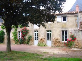 Bright 3 bedroom Maulevrier Gite with Internet Access - Maulevrier vacation rentals
