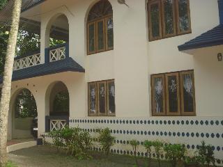 Nice 3 bedroom House in Kumarakom - Kumarakom vacation rentals