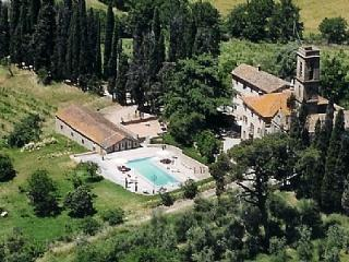 11 bedroom House with Deck in Monte San Savino - Monte San Savino vacation rentals