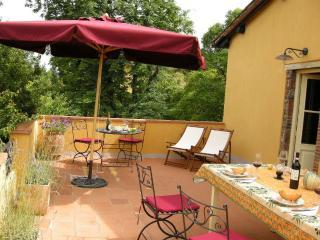 La casa dello Scrittore- WI-FI - Gugliano vacation rentals