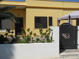 Nice Bed and Breakfast with Internet Access and Garden - Sannicola vacation rentals