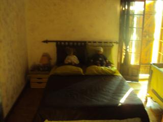 2 bedroom Guest house with Internet Access in Aspremont - Aspremont vacation rentals