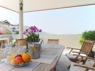Bright Penthouse with Internet Access and Dishwasher - Khao Tao vacation rentals