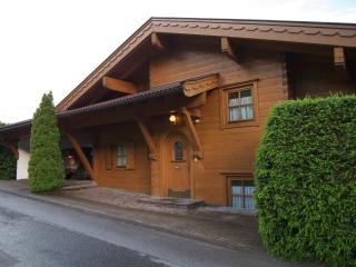 Bright Chalet with Internet Access and Satellite Or Cable TV - Piesendorf vacation rentals