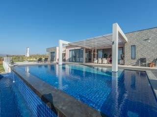 Villa Martin with private pool & sunset ocean view - Akrotiri vacation rentals