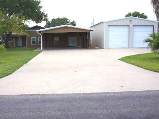 Convenient Port O Connor House rental with Television - Port O Connor vacation rentals