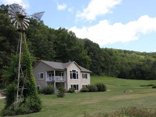 Spacious House with Deck and Internet Access - Soldiers Grove vacation rentals
