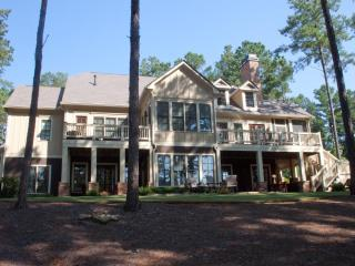 7 BR/5.5 BA Reynolds Golf House Luxury furniture - Greensboro vacation rentals