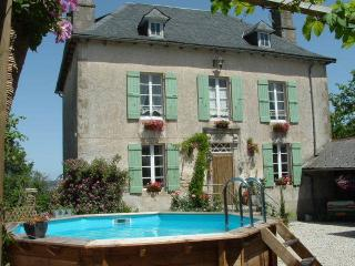 Lovely Manor house with Internet Access and Satellite Or Cable TV - Goulles vacation rentals