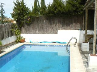 Lovely Chalet with Grill and Towels Provided - Granada vacation rentals