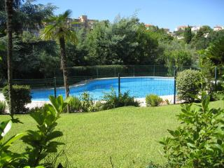 Garden flat with shared pool - Cannes vacation rentals