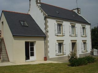 Adorable 4 bedroom House in Audierne with Short Breaks Allowed - Audierne vacation rentals