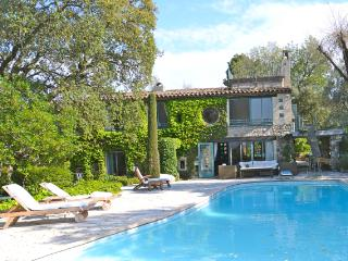Wonderful Provencal villa with private pool, terrace and balcony - La Roquette-sur-Siagne vacation rentals