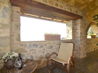 Cozy 1 bedroom Rigutino House with Deck - Rigutino vacation rentals