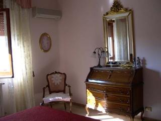 Cozy 2 bedroom B&B in Locri - Locri vacation rentals