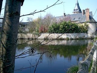 Closerie de l'étang, chambre 1 - Breteuil vacation rentals