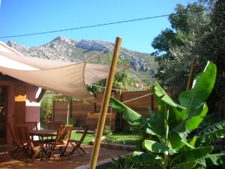 Entre Mer et Collines 6 person - Roquevaire vacation rentals