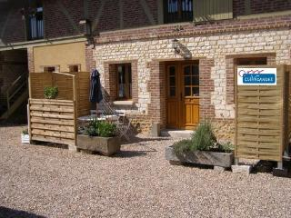 Nice Gite with Internet Access and Television - Louviers vacation rentals