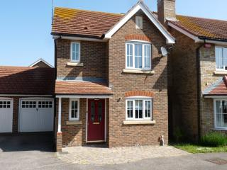 Lovely 3 bedroom House in Sittingbourne - Sittingbourne vacation rentals