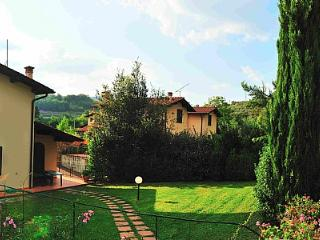 Nice 3 bedroom House in Lucolena - Lucolena vacation rentals