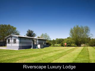 Lovely 2 bedroom Lodge in Tiddington - Tiddington vacation rentals