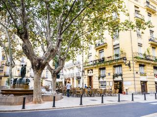 HIP & TRENDY + WIFI + 2 BIKES - Valencia vacation rentals