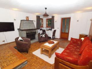 Lovely 2 bedroom Champoluc Condo with Internet Access - Champoluc vacation rentals