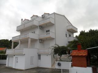 Villa Nena Apt Stefan- Trogir - Mastrinka vacation rentals