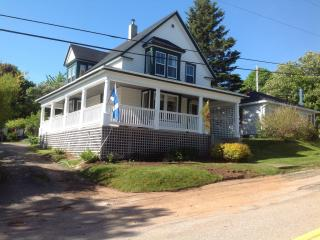 Scottish flavour Century Home Downtown Digby NS - Digby vacation rentals