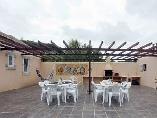 Perfect Cottage with Internet Access and Television - Galamares vacation rentals