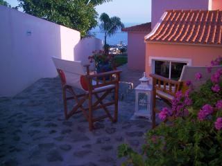 Comfortable 2 bedroom Bungalow in Funchal with Deck - Funchal vacation rentals