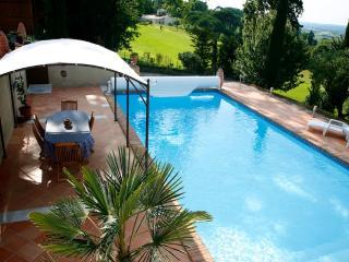Bright 4 bedroom Monbazillac Villa with Internet Access - Monbazillac vacation rentals