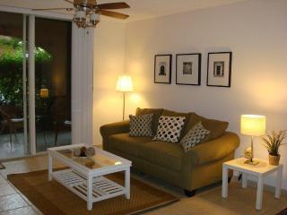 2 bedroom Apartment with Internet Access in Aventura - Aventura vacation rentals