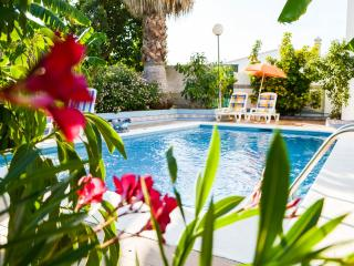 3 bedroom Villa with Television in Coin - Coin vacation rentals