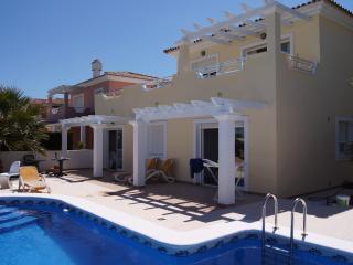 Unique front golf villa with p - Banos y Mendigo vacation rentals