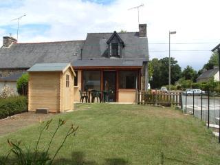 Meublé de tourisme en pierre région Argoat - Guingamp vacation rentals