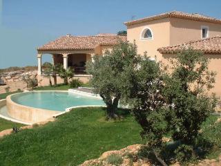 Maison  avec vue imprenable à 15mn d'Avigon - Rochefort du Gard vacation rentals