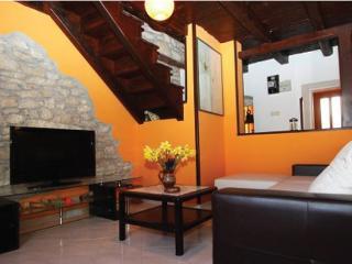 2 bedroom Guest house with Internet Access in Rakalj - Rakalj vacation rentals