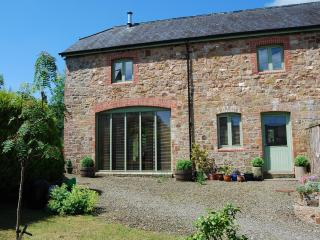 2 bedroom Barn with Internet Access in Beaworthy - Beaworthy vacation rentals