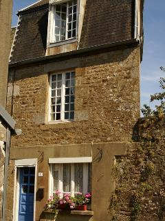 Romantic 1 bedroom Saint-Sever-Calvados Townhouse with Internet Access - Saint-Sever-Calvados vacation rentals
